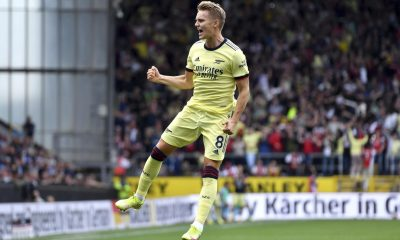 Arsenal beat Burnley with a free kick from Odegaard!